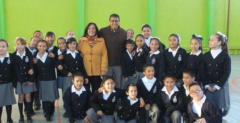 Honores a la Bandera es escuela primaria Baja California