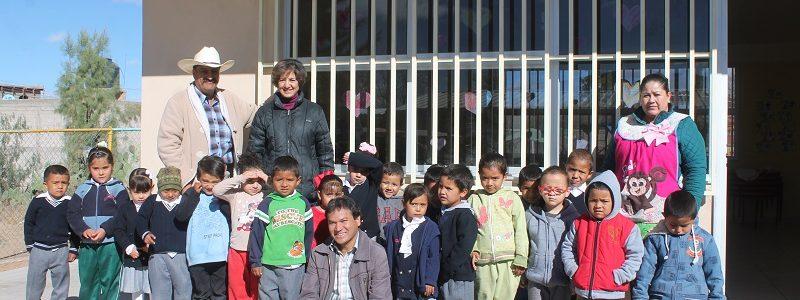 protecciones para las ventanas en el jardín de niños Laura Domínguez de la comunidad de La Luz.