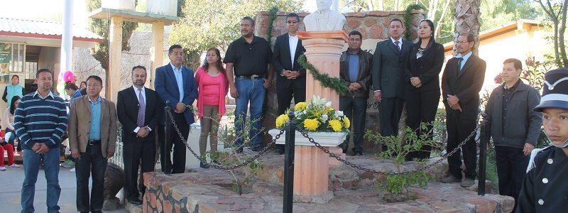 Honores a la Bandera en la Escuela Benito Juárez