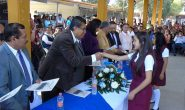 Atestiguan autoridades municipales la graduación de alumnos de secundaria