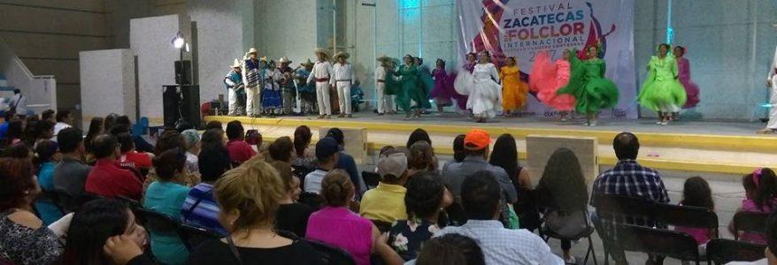 Un excelente animo es el que se ha dejado sentir entre los ciudadanos que acuden a presenciar el espectáculo artístico que presentan las delegaciones del Festival Internacional del Folclor Zacatecas 2017.