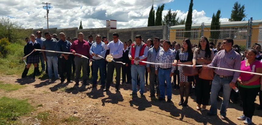 """Entrega el Republicano Ayuntamiento 2016_2018, Cerco Perimetral a Telesecundaria """"Diego de Ibarra"""" de la Comunidad de Pastelera"""
